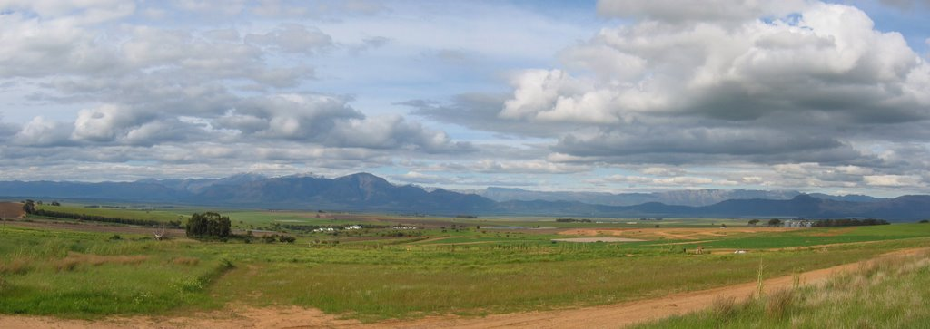 View of parallel mountain chains in the east from main road to Riebeek West
