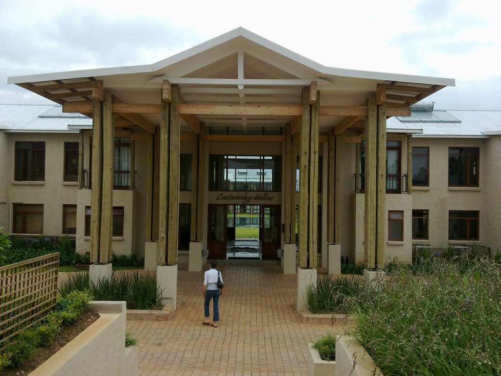 Casterbridge Hollow Hotel, White River - front entrance