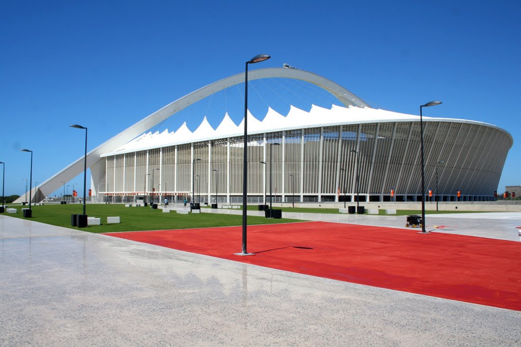 Moses Mabhida Stadium (click to enlarge)