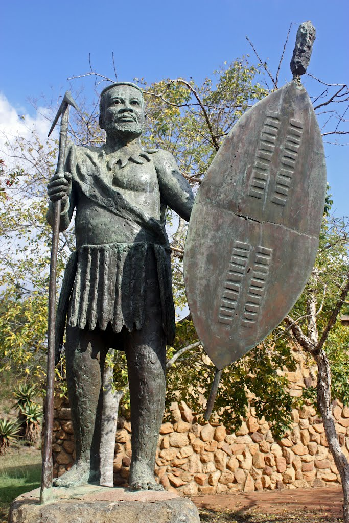 Statue of iNkosi Cetshwayo kaMpande ( 1826 - February 1884), son of Mpande, king from 1872 to 1884 - KwaZulu Cultural Museum, Ondini