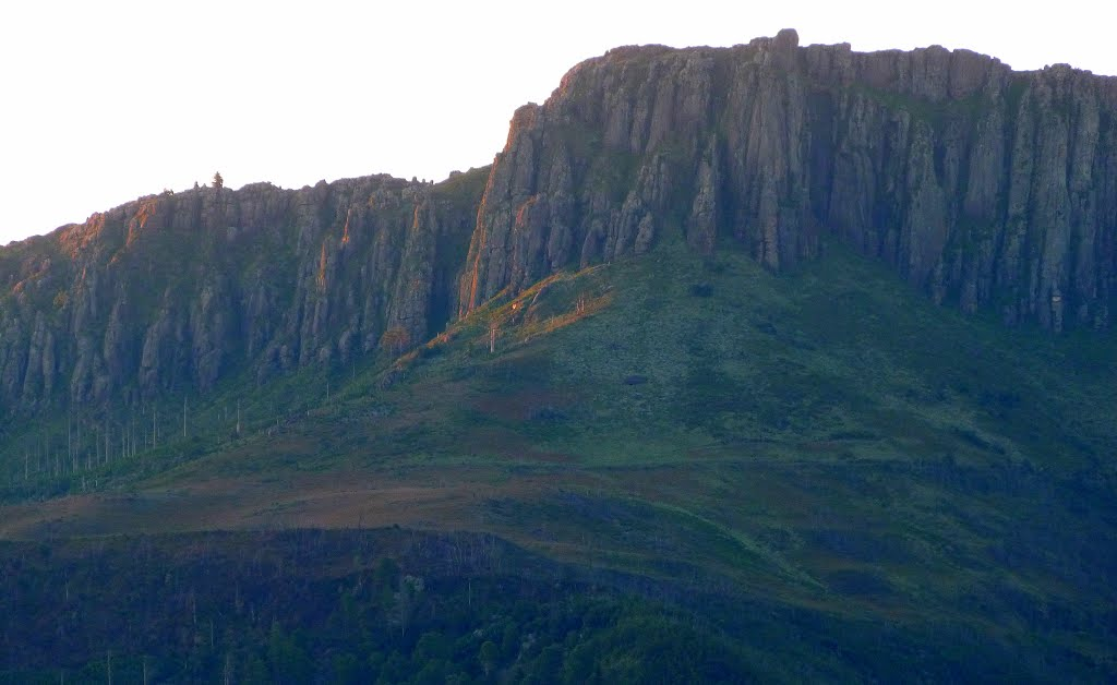 Cliffs on the Katberg in the evening light